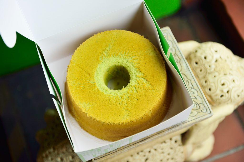 Pure pandan chiffon cake chinatown, You can't miss Pure Pandan Chinatown's chiffon cakes!